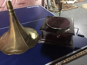 """ His Majesty's Voice "" Antique Gramophone"