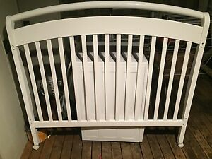 White Pottery Barn Cot Glenbrook Blue Mountains Preview