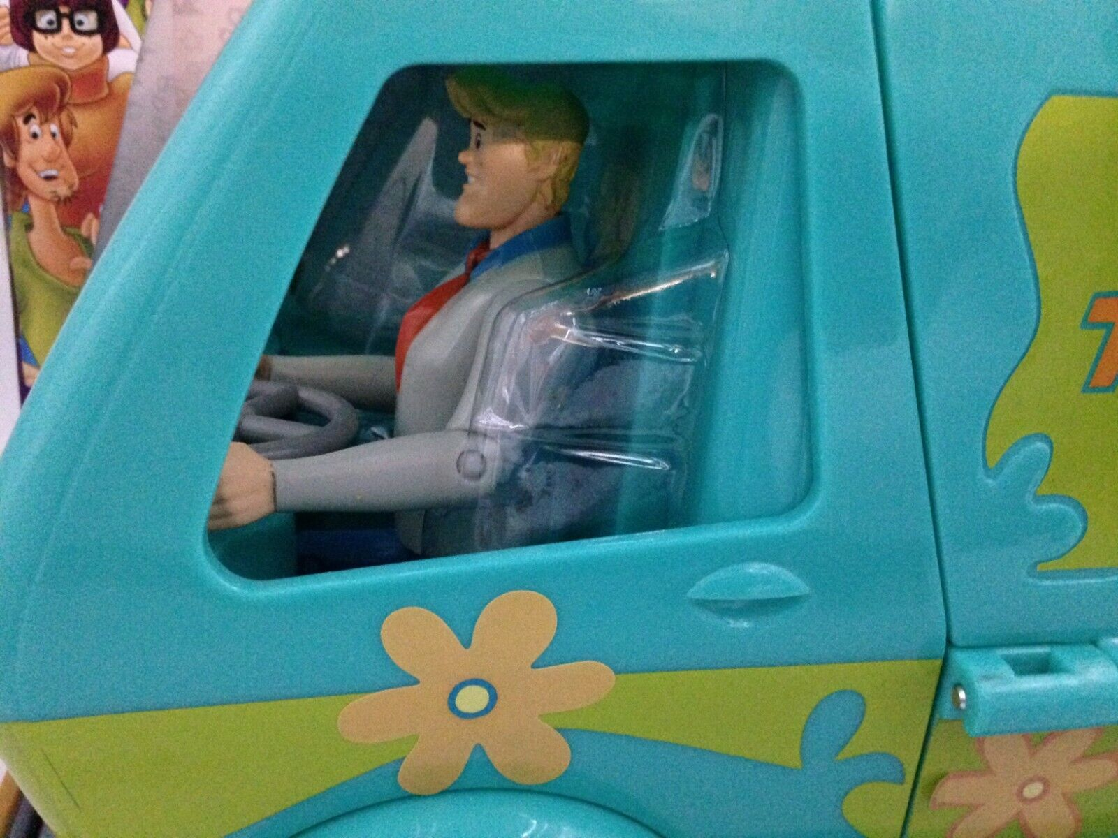 как выглядит Scooby-Doo Mystery Machine Play Set w/Fred, Shaggy Scooby Action Figures, New фото