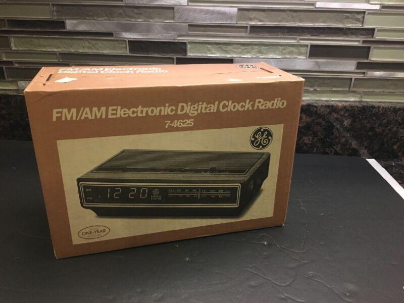 NOS ~ Vintage GE General Electronic  FM/AM Digital Clock Radio 7-4625 NEW Sealed