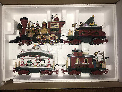 New Bright #384 G-Scale Holiday Express Christmas Animated Train Set! Excellent!