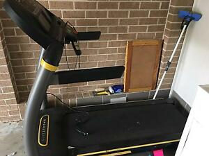 Live strong treadmill Rutherford Maitland Area Preview