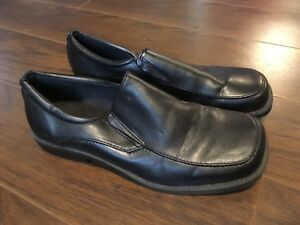 Boys dress shoes size 5