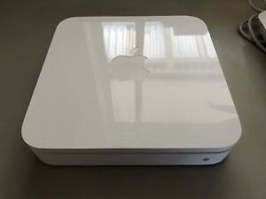Apple AirPort Extreme WiFi Router, 4th Gen, Perfect Carine Stirling Area Preview