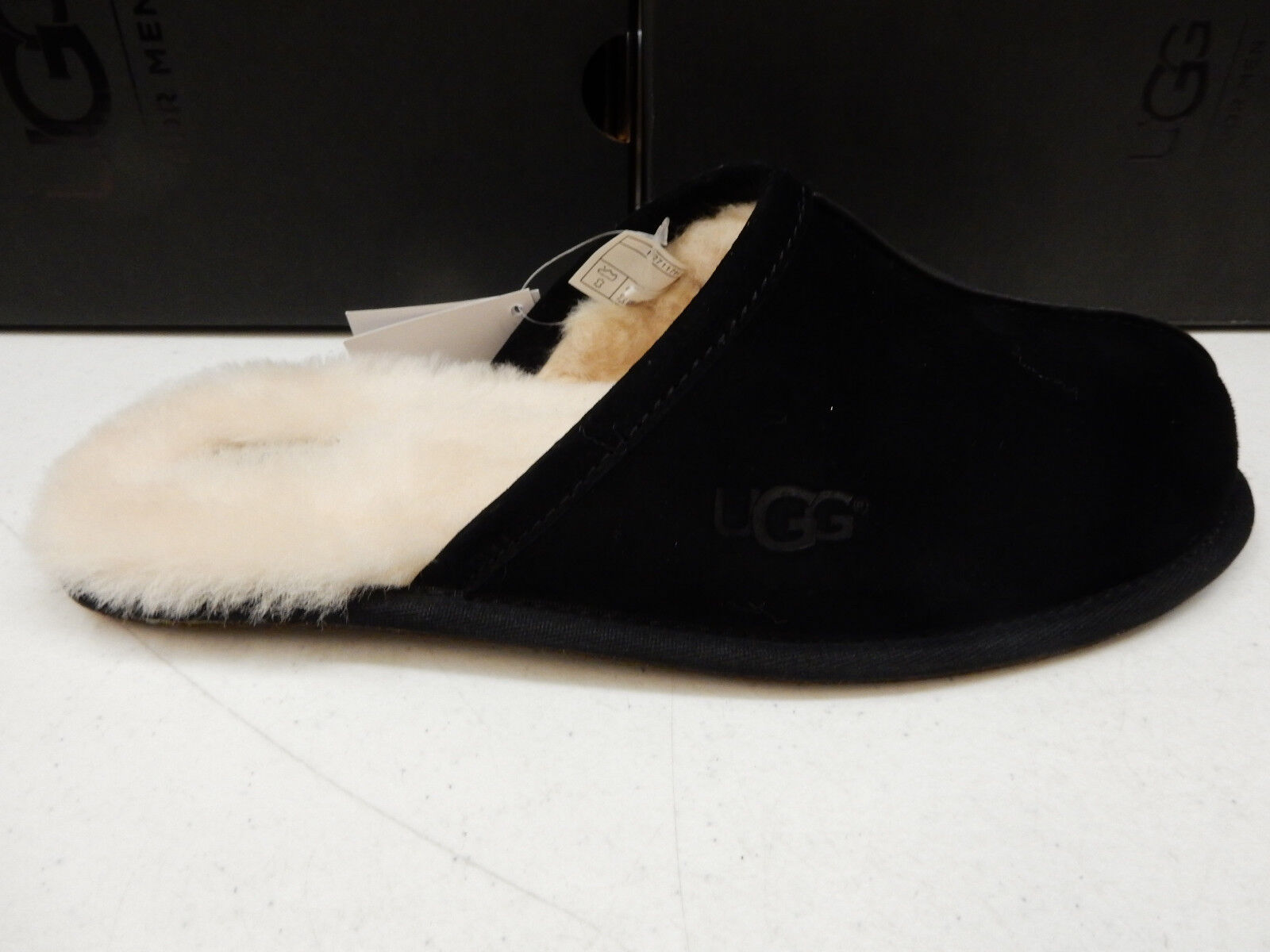 UGG MENS SLIPPERS SCUFF SUEDE BLACK SIZE 9