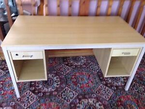 Office/ student desk Adamstown Heights Newcastle Area Preview