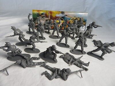 AIRFIX & MARX WWII GERMAN Afrika Korp Toy Soldiers - COPIES - (54MM) - Gray