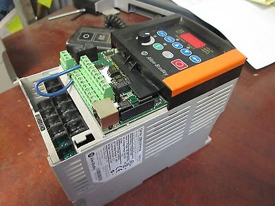 Allen-bradley Powerflex 40 Ac Drive 22b-d2p3n104 1hp 3ph Out 0-460v 2.3a Used