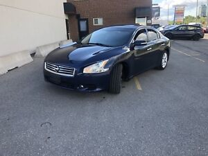 2012 NISSAN MAXIMA  sedan with 190000km