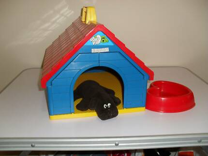 VINTAGE 1986 POUND PUPPY AND KENNEL BY TONKA.