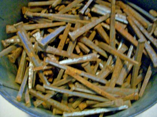 """4+ POUNDS OF OLD-ANTIQUE STEEL SQUARE CUT NAILS,  MOST ARE 2 1/4"""" LONG, & UNUSED"""
