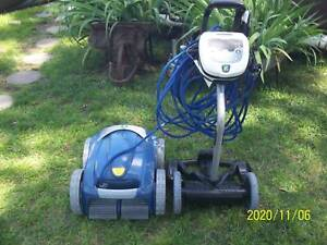 vx55 4wd zodiac robotic pool cleaner with cady and remote 307 hrs use