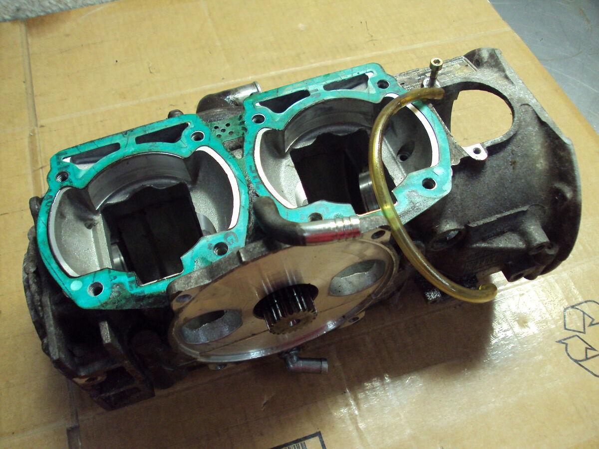 1996 96 Ski Doo Rotax 670 Summit HO MXZ Z x Engine Crankcase Crank Case Cases