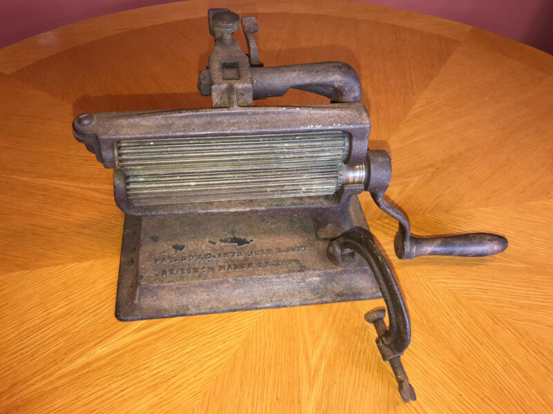 """ANTIQUE """"AMERICAN"""" COLBY IRON FLUTER, CRIMPER, PLEATING CAST IRON"""