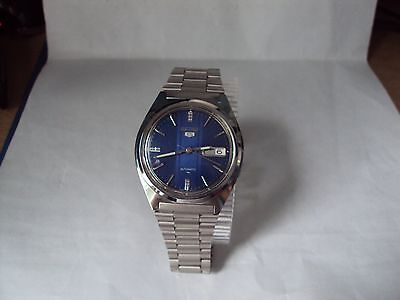 Vintage Seiko 5 7009-8750A Automatic All Stainless Steel Men's Watch