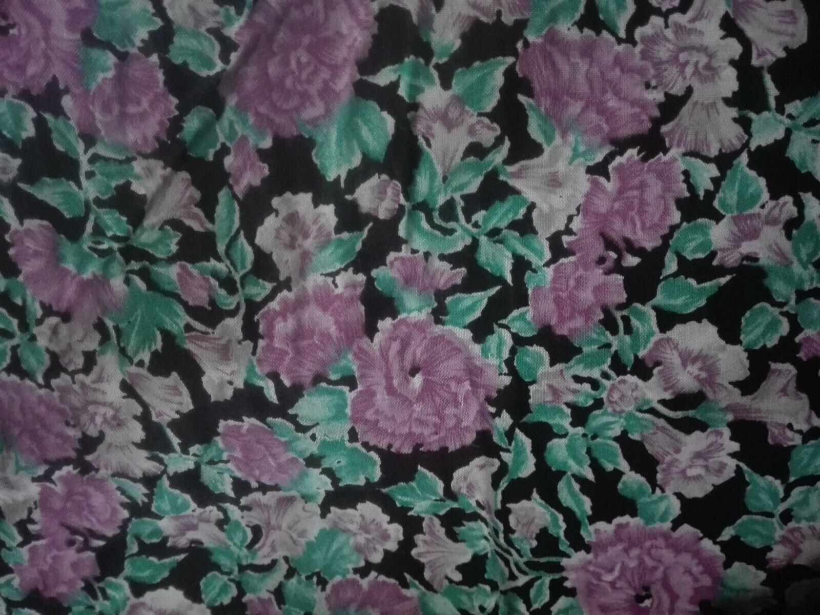 SALE!!! BW-Stoffrest Blumen weiß schwarz flieder lila grün + Elasthan 34x145cm