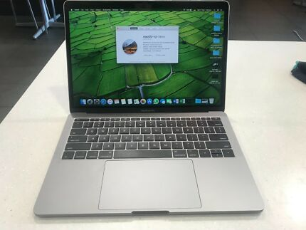 MacBook Pro 2017 nearly new