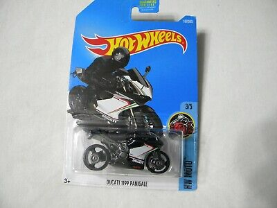 2017 Hot Wheels HW Moto 3/5 DUCATI 1199 PANIGALE  Q