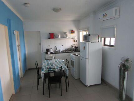 IMMACULATE 2 BEDROOM GRANNY FLAT AT SEVEN HILLS