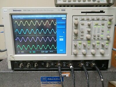 Tektronix Tds7104 Digital Oscilloscope Dpo 1 Ghz 10 Gss Win Xp Nu65