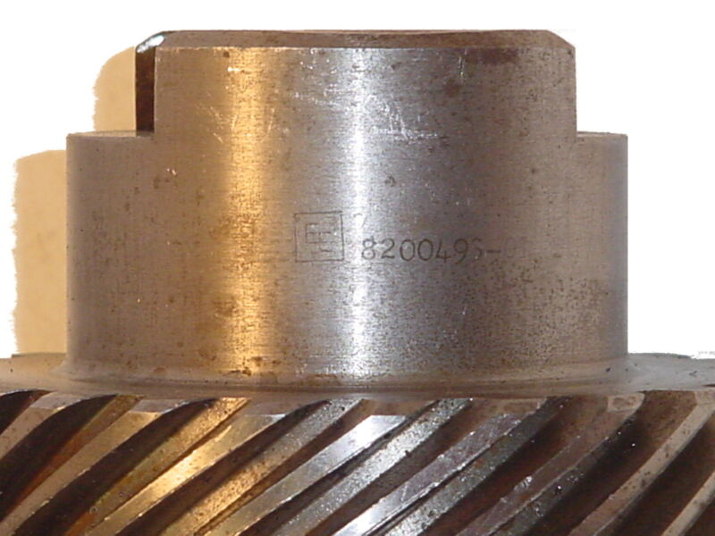 """Lot of TWO (2) GEARS  """"EE""""  8200493-0"""