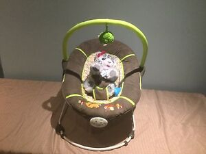Vibrating infant chair