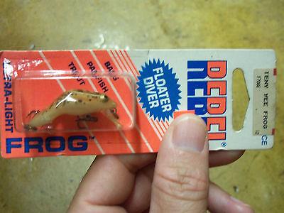 Rebel Teeny Wee Frog F7066 orange card! Made in North America!!