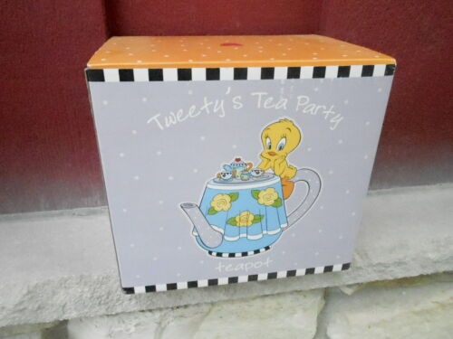 1999 NRFB Warner Brothers TWEETY BIRD tea pot - TEA PARTY - (S17)