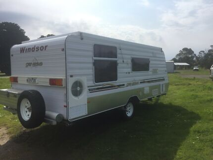 Windsor genesis  semi off-road Pop top 17.5 ft