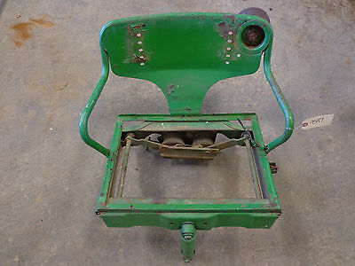 John Deere 520 530 620 630 Gas Lp Allfuel -- Float Ride Seat