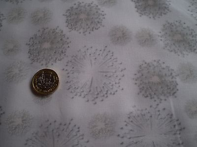 White-Out (Kanvas / Benartex).  8476-11 - Dandelion Burst. 100% cotton
