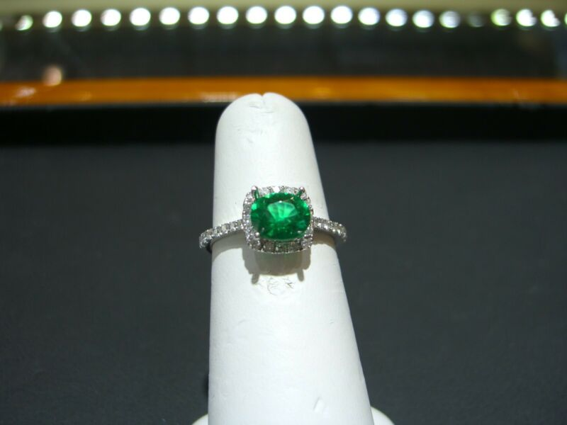 Fine 14 Karat White Gold Diamond And Columbian Emerald Ring New Size 6.5  Wow!!!