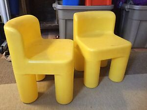 Little tikes plastic toddler chairs