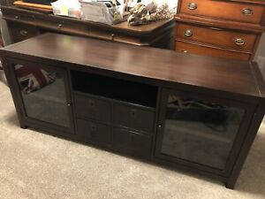 Credenza / Sideboard / TV Stand