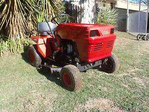 Ride on mower Rover Rancher 13 hp 30 cut heel and toe auto Dalby Dalby Area Preview