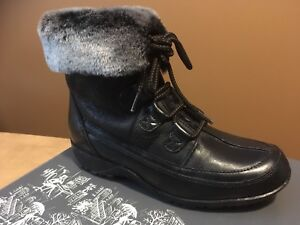 Women's Winter Boots - size 7.5 - Naturalizer