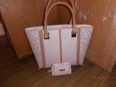 UNWANTED GIFT  RIVER ISLAND BAG WITH MATCHING PURSE