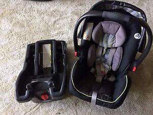 'Graco SnugRide click connect 35' infant car seat