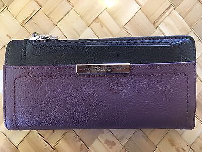 Relic Caraway Collection Checkbook Wallet Raisin   Black  New