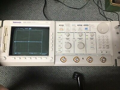Tektronix Tds520a 500mhz 500mss Power Tested Oscilloscope Two Channel Digital