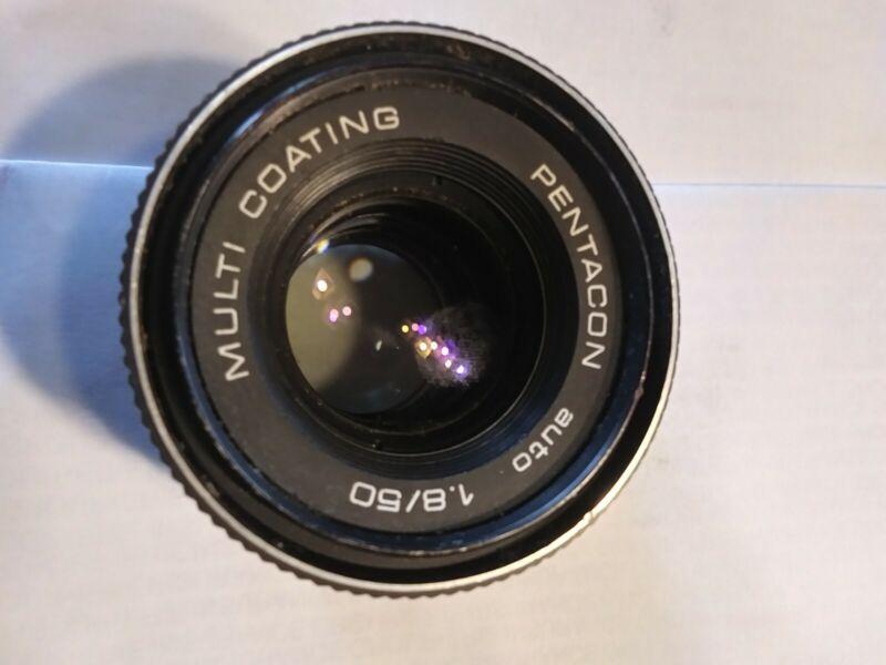 Pentacon Auto 1.8 / 50mm Camera Lens