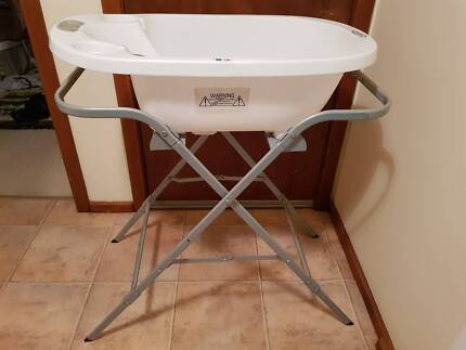Roger Armstrong Aqua Scale baby bath / scales with stand | Baths ...