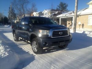 "CERTIFIED 2008 Tundra Limited, 4 Door, 4x4, 3"" lift, Leather"