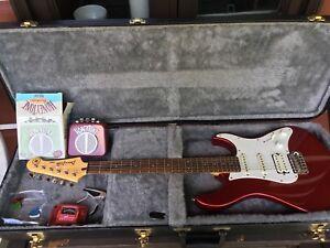 Guitare Yamaha Pacifica série PAC012 avec accessoires