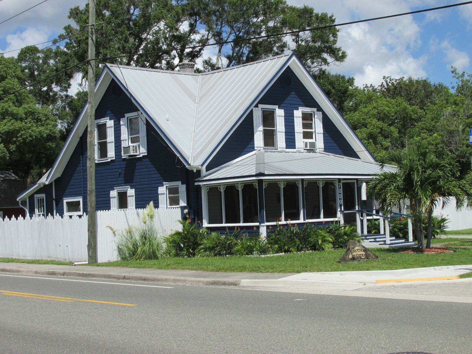 1912 ANTIQUE FLORIDA HOME FOR SALE - FULLY FURNISHED-IN FLORIDA - $480,000.00