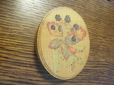 Wooden trinket Oval box