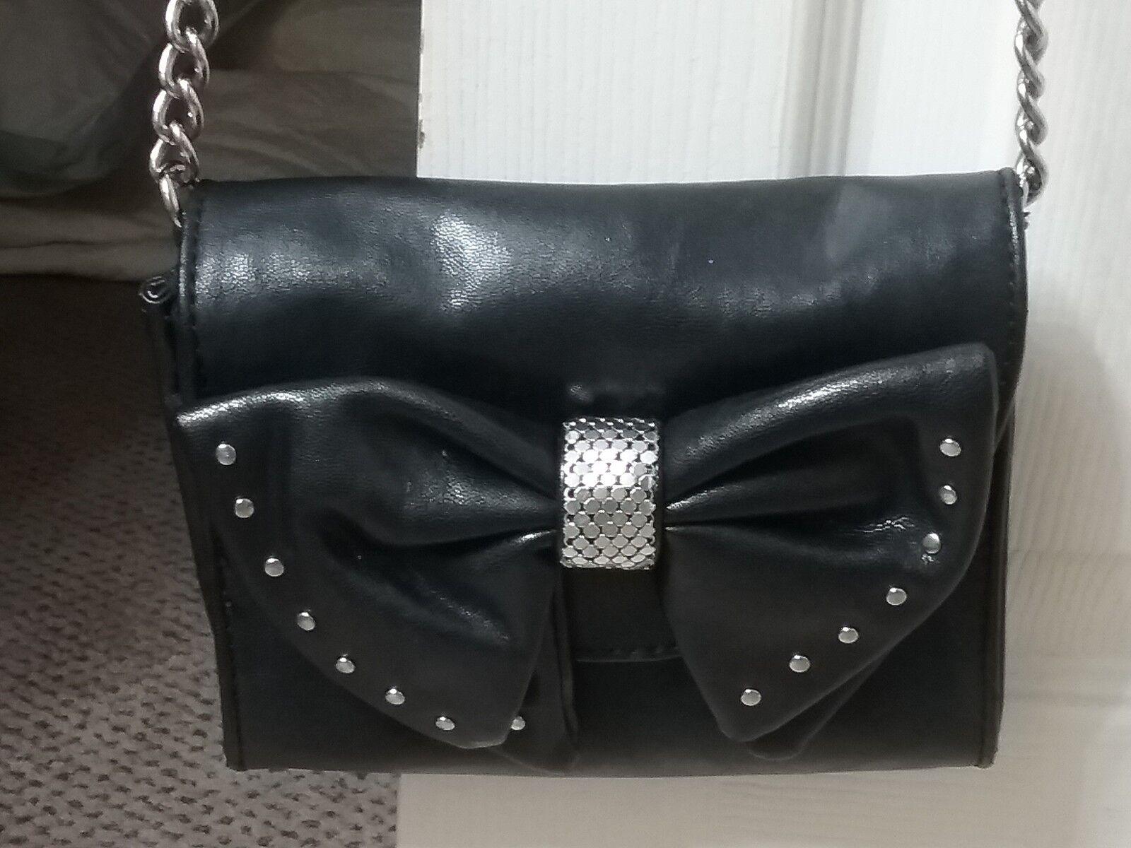 Women's Handbag & Accessory Gallery