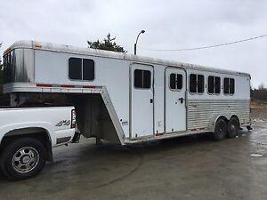 Trailer 4 chevaux