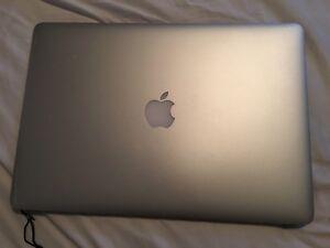 "CRACKED/WATER DAMAGE Macbook Pro 15"" Screen"