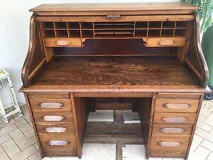 Antique roll top desk Safety Bay Rockingham Area Preview